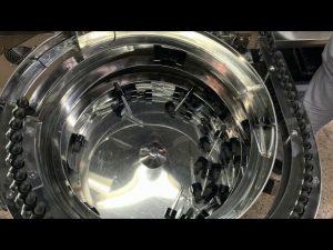mehanička mašina za punjenje i zatvaranje u boce tipa cbd